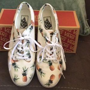 NWT Vans Summer fun Pineapple print sneaker.